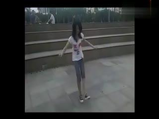 鬼步舞视频 天津美女跳鬼步舞视频