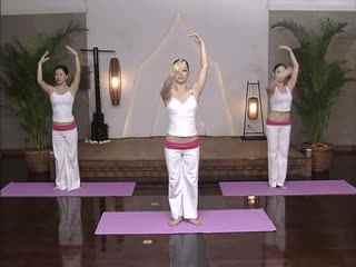 性感瑜伽美女 简单瑜伽减肥视频
